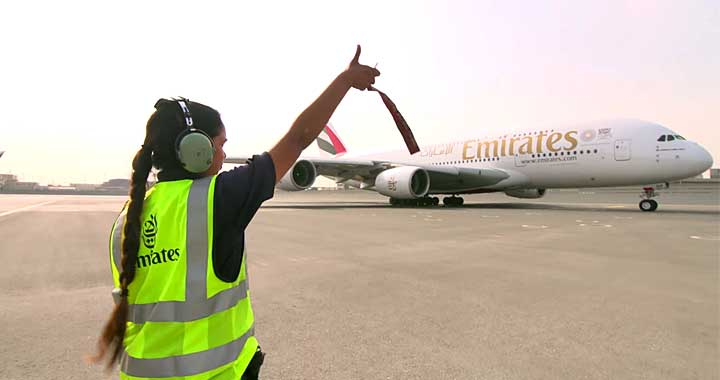 Emirates Paid Tribute to Female Crew on International Women's Day 2018!