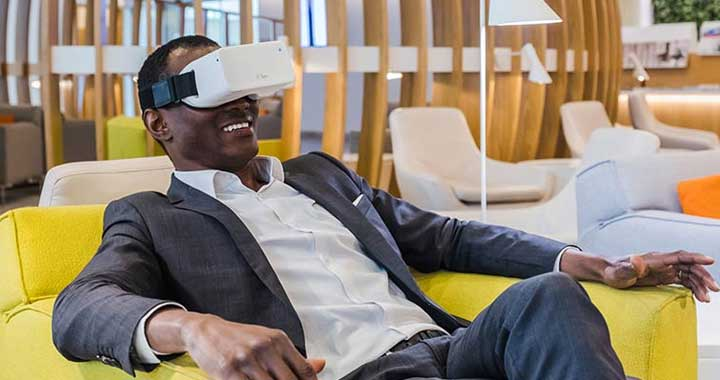 Emirates launches VR headsets at the Dubai International Airport