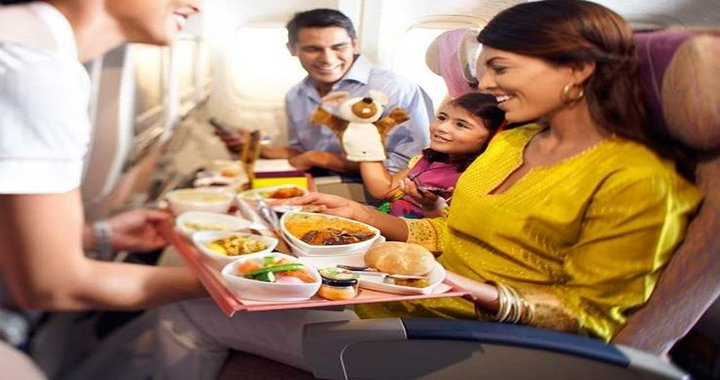 Emirates Airline Decides to Continue Serving Hindu Meals on Flights